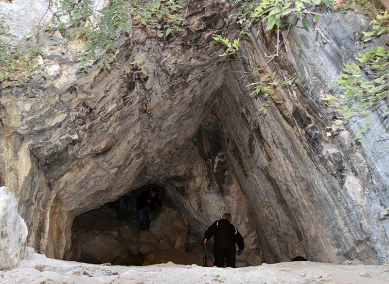 Peshagar Cave