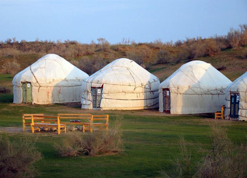 Yurt Camp near Aydar Lake