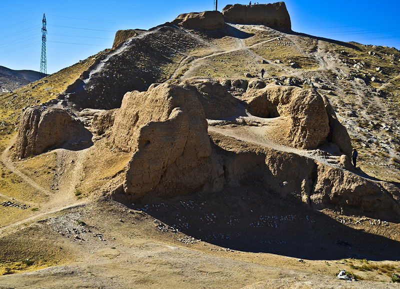 Nur Fortress: legacy of Alexander the Great