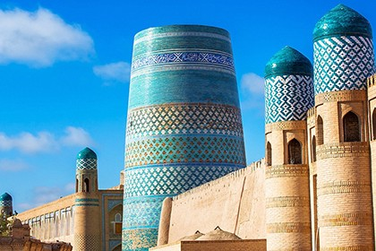 Traveling in Uzbekistan is more than 1000 kilometers long