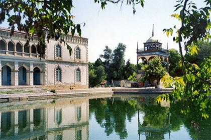 Sitorai Mohi Hosa - Emir's Summer Palace