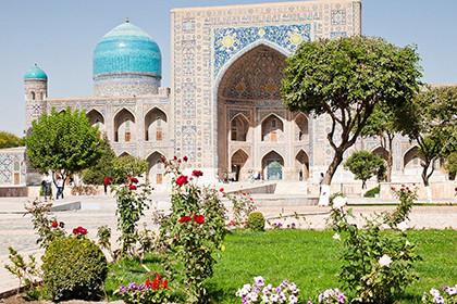 8 марта в Узбекистане