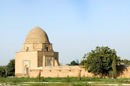 """Mausoleum """"Rukhabad"""""""
