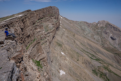 Climbing to the Chulbair